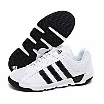 阿迪达斯罗斯篮球鞋的整体舒适度怎么样