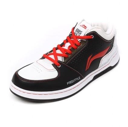 【图】网上哪里买篮球鞋好?买篮球鞋去哪个网