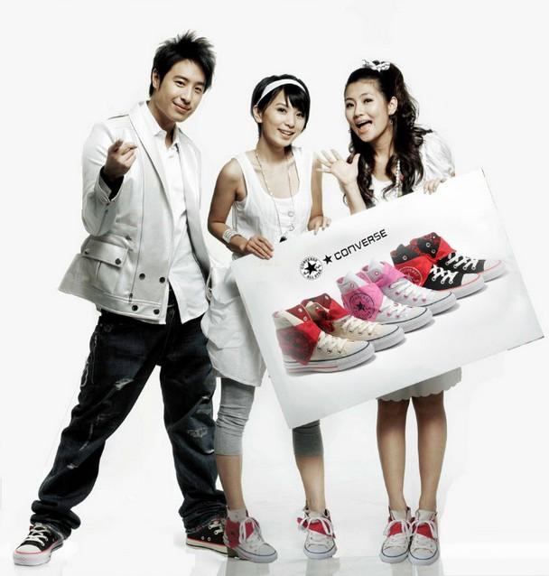 【图】女生匡威帆布鞋搭配技巧