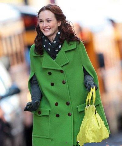 军绿色外套怎么搭配围巾?