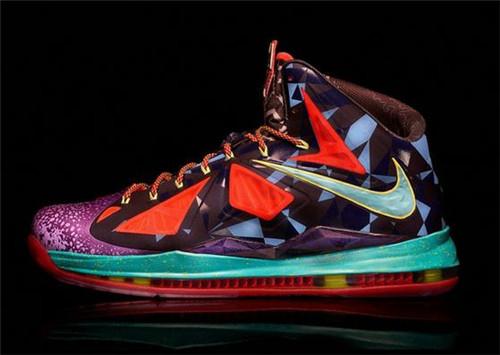 詹姆斯战靴系列有哪些 詹姆斯篮球鞋全系列简介