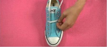 鞋带五角星的系法图解-鞋带怎么系成五角星 鞋带的24种系法五角星图片