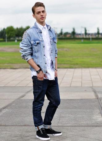【图】男士风衣搭配运动鞋方法 男款运动鞋搭配示范图图片