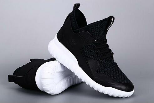 霸气稳重的adidas椰子黑色鞋款