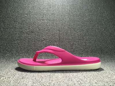 Nike拖鞋solarsoft如何?联名款Nike拖鞋kaws介绍