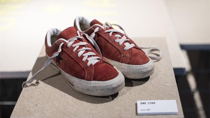 一穿就脏的运动鞋,还是有人视它如珍宝!