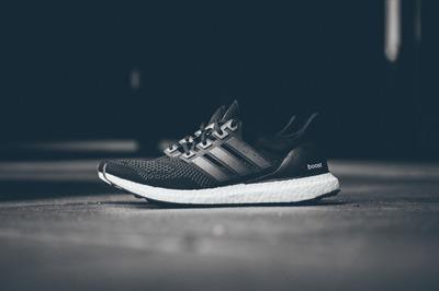 Adidas ultra boost全黑怎么样?Adidasub全黑赏析