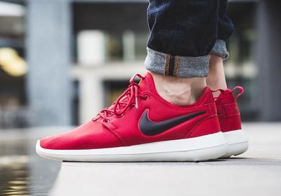 专为女生定制的Nike roshe two女鞋款
