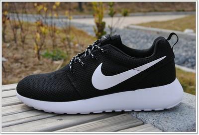 Nike伦敦跑鞋3代如何?耐克伦敦白色赏析
