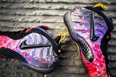 Nike彩虹喷怎么样?耐克喷泡迷彩上脚图