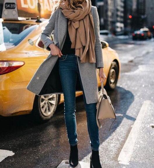 灰色外套怎么搭配衣服?灰色外套搭配方法