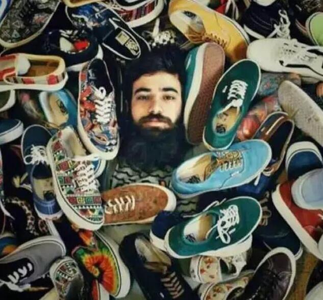 有一款经典且时尚的vans鞋款,还怕不潮?