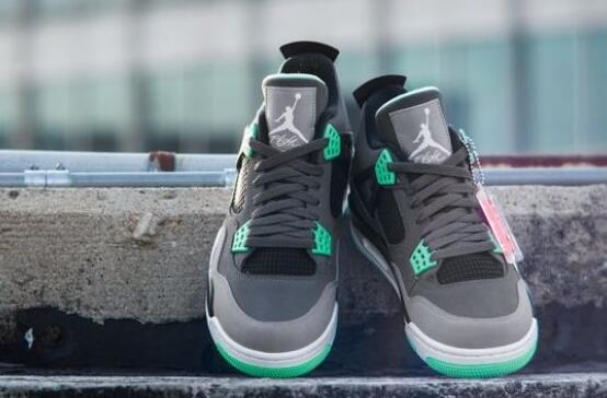air jordan 4 green glow:让黑暗夜晚变得更为绚烂、璀璨