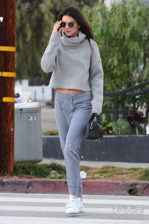 灰色裤子配什么颜色的上衣好看?灰色运动裤搭配指南
