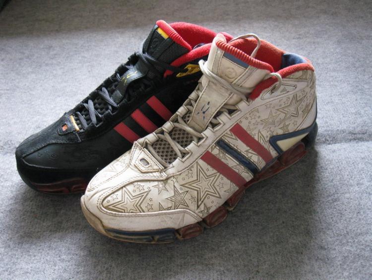 技术高潮的Adidasa3战靴