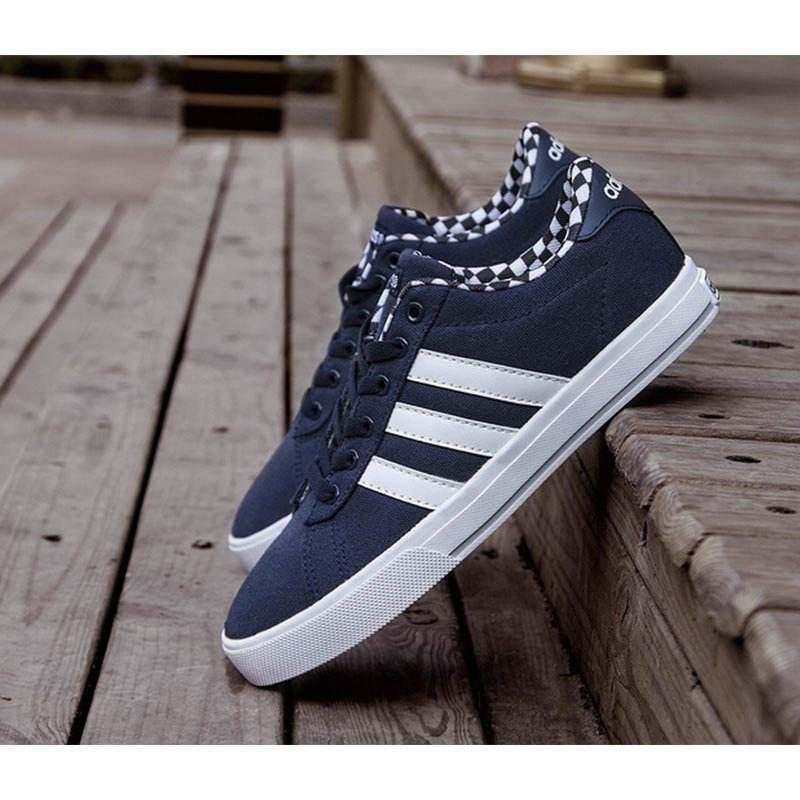 Adidas板鞋998休闲鞋提供舒适的脚感