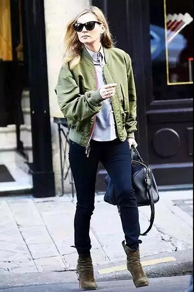 搭配六:军绿色外套 牛仔裤 短靴图片