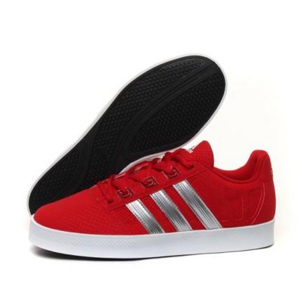 商品收到了,物流很给力 就是不知道是不是 阿迪达斯篮球鞋G49597 名鞋库产品评价