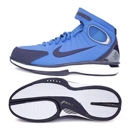 图片显示得不太一样,一个是小勾,一个是大 耐克篮球鞋511425 400 名鞋库产品咨询