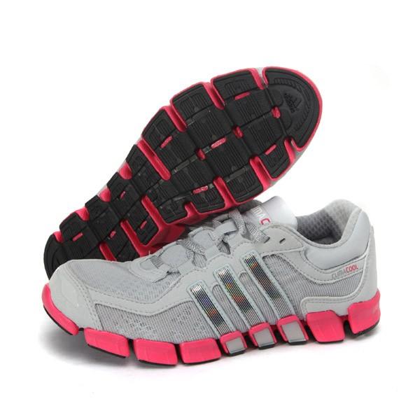 阿迪达斯adidas 清风系列女鞋跑步鞋 运动鞋 G62068