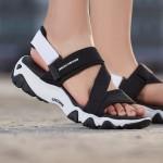 Skechers斯凱奇女涼鞋D'lites時尚一字扣熊貓鞋88888181