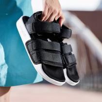adidas阿迪達斯三葉草女子涼鞋忍者沙灘休閑運動鞋AC8583