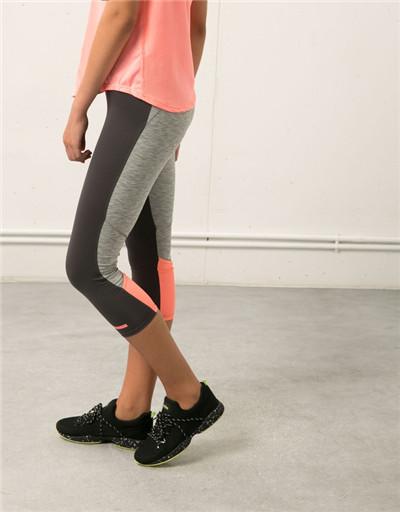 【图】女生去健身房穿什么衣服?健身房女生穿