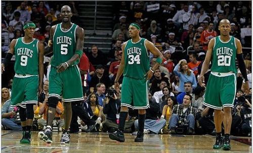 科技元素丰富的阿迪黑绿波士顿凯尔特人战靴