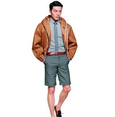 【图】分享冲锋衣男士搭配技巧  时尚穿搭  第2张