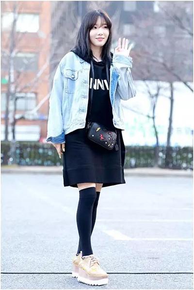 女性长款外套搭配图片